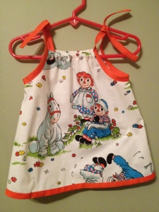 Creative Counselor: Raggedy Ann baby dress back view