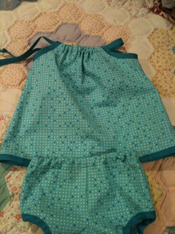 Since I was immediately obsessed, I decided to make N's outfit for her 3-month photos.   Same Made by Petchy dress with bloomer from the Oliver + S Tea Party Dress.