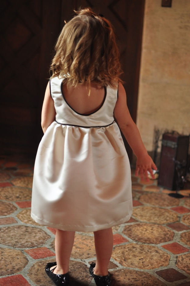 Sweetheart flower girl dress sewn by Katie @ www.creative-counselor.com