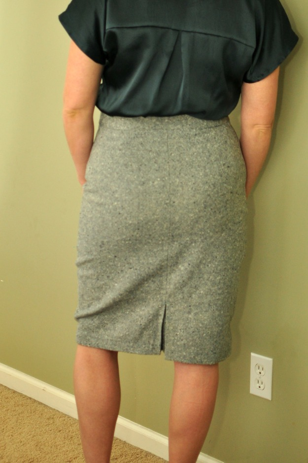 Delia Creates Pleated Pencil Skirt sewn by Katie @ www.creative-counselor.com
