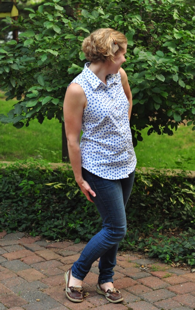 Sleeveless Granville Shirt sewn by Katie @ www.creative-counselor.com